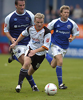 Fotball<br /> England 2004/2005<br /> Foto: SBI/Digitalsport<br /> NORWAY ONLY<br /> <br /> Luton Town v Peterborough United, Coca-Cola League One 25/09/2004. Gary McSheffrey skips away from the Peterborough defence.
