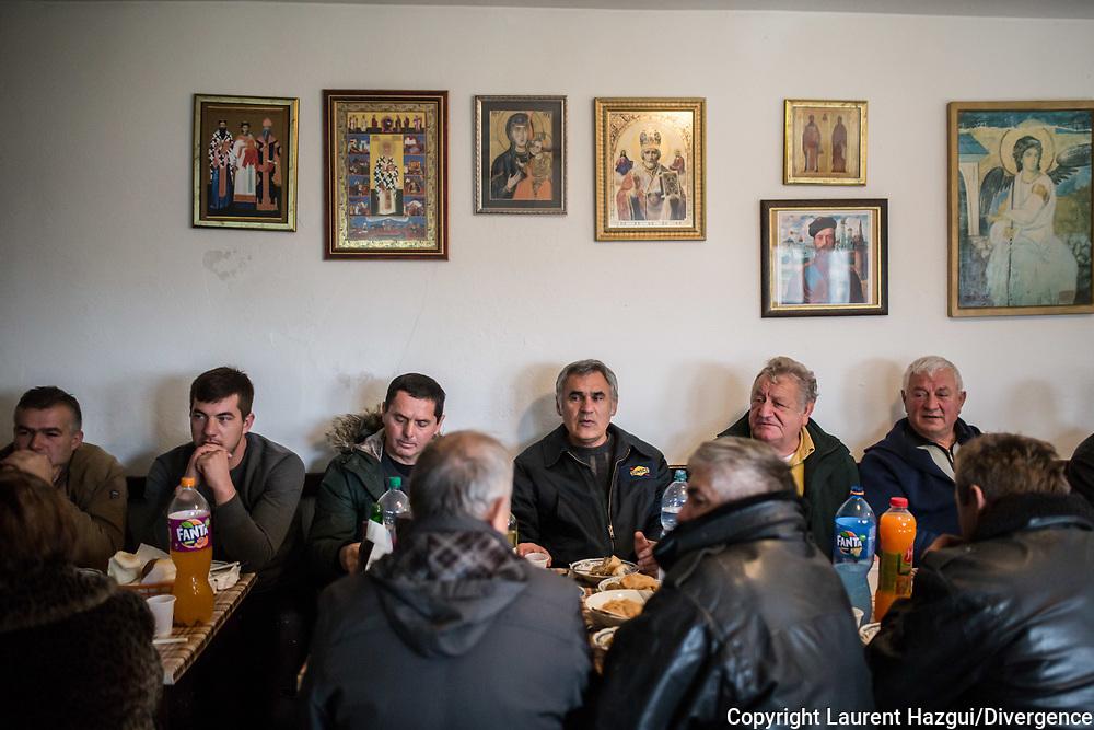 Décembre 2017. Kosovo : 10ème anniversaire de l'indépendance. Fête de la Saint-Nicolas avec les Serbes dans le monastère Goriochi (Saint-Nicolas) près d'Istog. Les Serbes des enclaves du nord viennent célébrer la fête de la Saint-Nicolas.