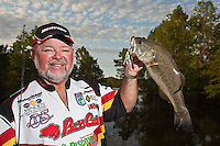 PROFESSIONAL ANGLER HOMER HUMPRIES FISHING LAKE BISTINEAU IN NORTHERN LOUISIANA