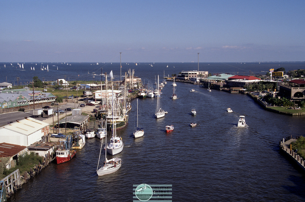 1996 Seabrook and Kemah with Pappadeaux's, Eat At Joe's, Flying Dutchman and Brass Parrott Restaurants on Clear Creek Channel