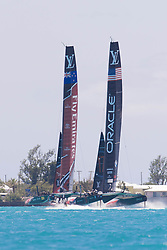 June 21, 2017 - Bermudes, USA - The Great Sound, Bermuda, 18th June. Oracle Team USA and Emirates Team New Zealand, race three on day two of the America's Cup. (Credit Image: © Panoramic via ZUMA Press)