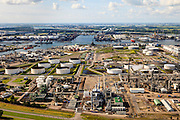 Nederland, Zuid-Holland, Gemeente Rotterdam, 15-07-2012; Botlek, aardolieraffinaderij en aromatenfabriek van ExxonMobil (Esso).Petroleum refinery and aromatics plant ExxonMobil (Esso).  luchtfoto (toeslag), aerial photo (additional fee required).foto/photo Siebe Swart
