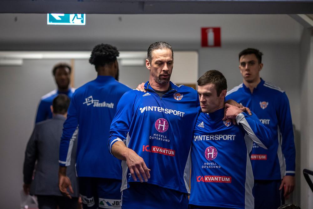 ÖSTERSUND 20210202<br /> Jämtlands RT Guinn och Jämtlands Tim Nord under tisdagens match i basketligan mellan Jämtland Basket och Umeå Basket.<br /> Foto: Per Danielsson / Projekt.P