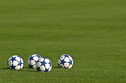 18.10.2010, Trainingsgelaende Werder Bremen, Bremen, GER, 1. FBL, Training Werder Bremen, im Bild Feature Fussbaelle; offizieller Ball der UEFA Champions League   EXPA Pictures © 2010, PhotoCredit: EXPA/ nph/  Frisch+++++ ATTENTION - OUT OF GER +++++