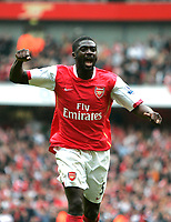 Photo: Tom Dulat/Sportsbeat Images.<br /> <br /> Arsenal v Manchester United. The FA Barclays Premiership. 03/11/2007.<br /> <br /> Kolo Toure of Arsenal celebrates draw with Manchester United