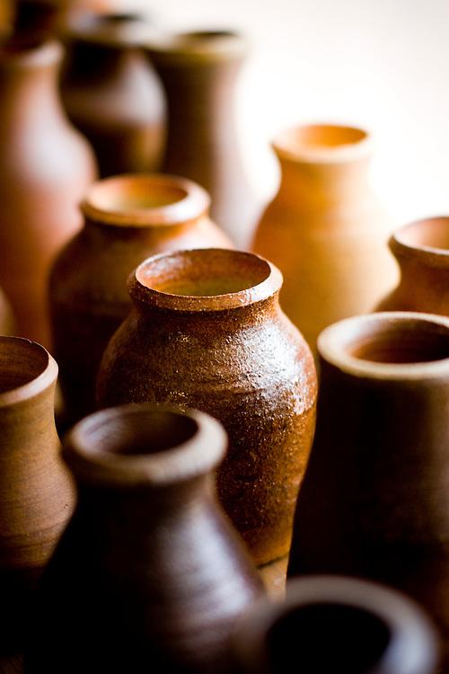 Belo Horizonte_MG, Brasil...Atelie de ceramica e produtos em aluminio e bronze...The artist workshop of ceramic products, aluminum and bronze...Foto: BRUNO MAGALHAES / NITRO