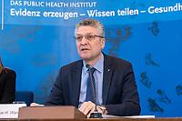 23 MAR 2020, BERLIN/GERMANY:<br /> Prof. Dr. Lothar H. Wieler, Praesident Robert-Koch-Institut, waehrend einem Pressebriefing zur aktuelle Entwicklungen des Corona-Virus, COVID-19, Hoersaal, Robert-Koch-institut<br /> IMAGE: 20200323-01-007<br /> KEYWORDS: Pandemie