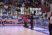 DESCRIZIONE : Trento Lega A 2015-16 Dolomiti Energia Trentino - Consultinvest Pesaro<br /> GIOCATORE : Trevor Lacey<br /> CATEGORIA : Delusione<br /> SQUADRA : Dolomiti Energia Trentino - Consultinvest Pesaro<br /> EVENTO : Campionato Lega A 2015-2016 <br /> GARA : Dolomiti Energia Trentino - Consultinvest Pesaro<br /> DATA : 08/11/2015 <br /> SPORT : Pallacanestro <br /> AUTORE : Agenzia Ciamillo-Castoria/Giulio Ciamillo<br /> Galleria : Lega Basket A 2015-2016 <br /> Fotonotizia : Trento Lega A 2015-16 Dolomiti Energia Trentino - Consultinvest Pesaro