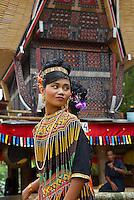 Indonesie. Sulawesi (Célèbes). Pays Toraja, Tana Toraja. Cérémonie funéraire. Enfant Toraja en costume de cérémonie. // Indonesia. Sulawesi (Celebes Island). Tana Toraja. Toraja funeral ceremony. Torajan children with traditional dress.