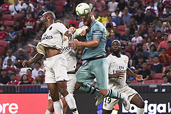 2018?7?28?.??????——?????????????????????????..7?28????????Shkodan Mustafi?20??????????????????????????.???? ??????..Arsenal player Shkodan Mustafi (No 20, C) heads the ball in the International Champions Cup match between Arsenal and Paris Saint-Germain held in Singapore's National Stadium on Jul 28, 2018..By Xinhua, Then Chih Wey..??????????2018?7?28? (Credit Image: © Then Chih Wey/Xinhua via ZUMA Wire)