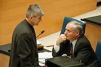 05 FEB 1998, BONN/GERMANY:<br /> Joschka Fischer, B90/Grüne Fraktionssprecher, und Oskar Lafontaine, SPD Parteivorsitzender, Debatte über die Bekämpfung der Arbeitslosigkeit im Deutschen Bundestag<br /> IMAGE: 19980205-01/01-32