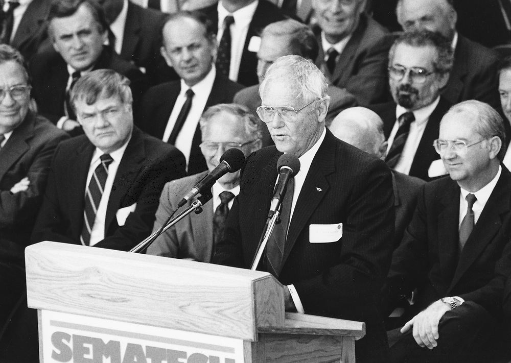 ©1987 Grand Opening of Sematech research consortium in east Austin, high tech business leaders from central Texas gather for groundbreaking.