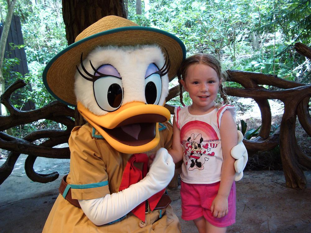 ///ADDITIONAL INFO:   ..2011.07.florida.fam.kjs  ---  Photo by KEVIN SULLIVAN / The Orange County Register  --  8/1/11..Family vacation to Orlando, Florida. Walt Disney World, Epcot, Animal Kingdom, Marriott Lakeshore Reserve.