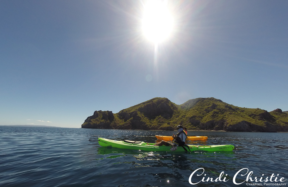 Kayakers leave the Villa del Palmar at the Islands of Loreto for a nearby island on Monday, Oct. 26,2015. (© 2015 Cindi Christie/Cyanpixel)