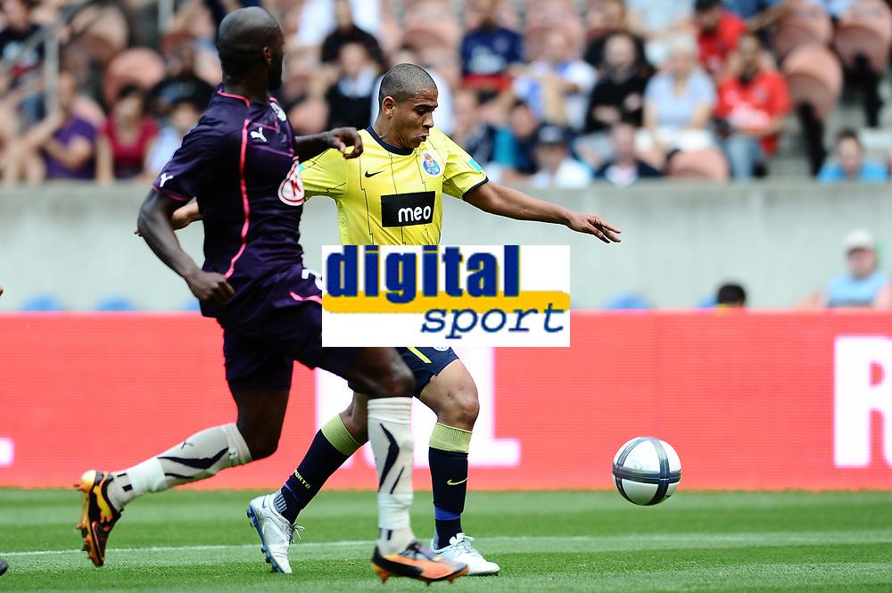 FOOTBALL - TOUNOI DE PARIS 2010 - FC PORTO v GIRONDINS BORDEAUX - 1/08/2010 - PHOTO GUY JEFFROY / DPPI - WALTER SILVA (POR)