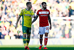 Marlon Pack of Bristol City Marco Stiepermann of Norwich City - Mandatory by-line: Phil Chaplin/JMP - FOOTBALL - Carrow Road - Norwich, England - Norwich City v Bristol City - Sky Bet Championship