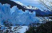 sehenswerte und sich ausbreitende Gletscher im Los Glaciares National Park, Patagonien, Argentinien * the stunning and expandning glacier in the Los Glaciares National Park, Patagonia, Argentina