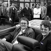 NLD/Huizen/19920117 - Receptie Theus Dorresteijn Huizen, Teus met zijn vrouw