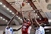DESCRIZIONE : Campionato 2014/15 Serie A Beko Dinamo Banco di Sardegna Sassari - Giorgio Tesi Group Pistoia<br /> GIOCATORE : Tony Easley<br /> CATEGORIA : Tiro Penetrazione Sottomano<br /> SQUADRA : Giorgio Tesi Group Pistoia<br /> EVENTO : LegaBasket Serie A Beko 2014/2015 <br /> GARA : Dinamo Banco di Sardegna Sassari - Giorgio Tesi Group Pistoia<br /> DATA : 01/02/2015 <br /> SPORT : Pallacanestro <br /> AUTORE : Agenzia Ciamillo-Castoria/C.Atzori <br /> Galleria : LegaBasket Serie A Beko 2014/2015