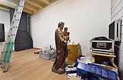 Nederland, Vredepeel, 31-1-2019Repo over de lokale kerk die door het dorp omgebouwd is tot kleinere kerk annex dorpshuis met  multifunctionele zaal en ontmoetingsruimte. Heiligenbeelden die niet meer passen in de verkleinde kerkruimte staan in de opslag voor een nieuwe bestemming . MariabeeldFoto: Flip Franssen