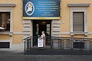 Centro accoglienza dei Pellegrini in via della Conciliazione, Roma 07 dicembre 2015. Christian Mantuano / OneShot<br /> <br /> Pilgrimage information center, Via della Conciliazione, Rome on December 7, 2015. Christian Mantuano / OneShot
