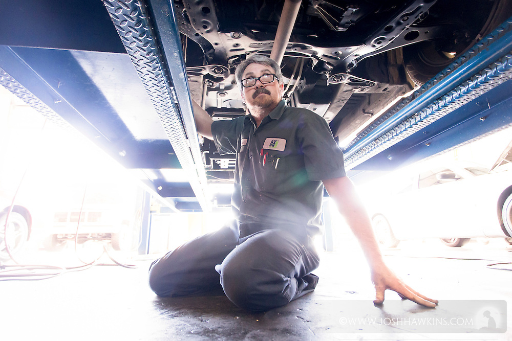 Mike Button does a tire alignment.<br /> <br /> Rich Margo, Owner<br /> Honest-1 Auto Care<br /> 2310 E Craig Rd<br /> North Las Vegas NV 89030<br /> <br /> 201503271032_MG_9409.CR2<br /> 3/27/2015  --  10:32:49