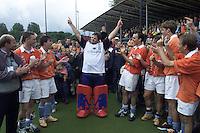 BLOEMENDAAL - Andre Morees met zijn teamgenboten. links Cees Jan Diepeveen.   COPYRIGHT KOEN SUYK