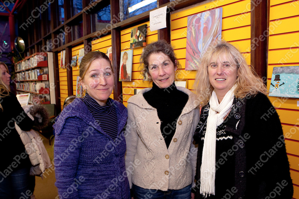 Nathalie El Baba, Rejine Stewart & Marie Rowland. pictured at the Shannon Family Resource Centre Children Art Exhibition in Sean La Mass Library Shannon<br /> Pictured Credit Brian Gavin Press 22