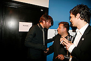 ALEX JAMES, RANKIN AND  ROBERT MONTGOMERY, Art Plus Music party. Fundraiser for the Whitechapel. 30 March 2006. ONE TIME USE ONLY - DO NOT ARCHIVE  © Copyright Photograph by Dafydd Jones 66 Stockwell Park Rd. London SW9 0DA Tel 020 7733 0108 www.dafjones.com