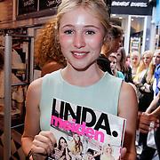 NLD/Amsterdam/20120702 - Presentatie Linda: Meiden, Sigrid ten Napel