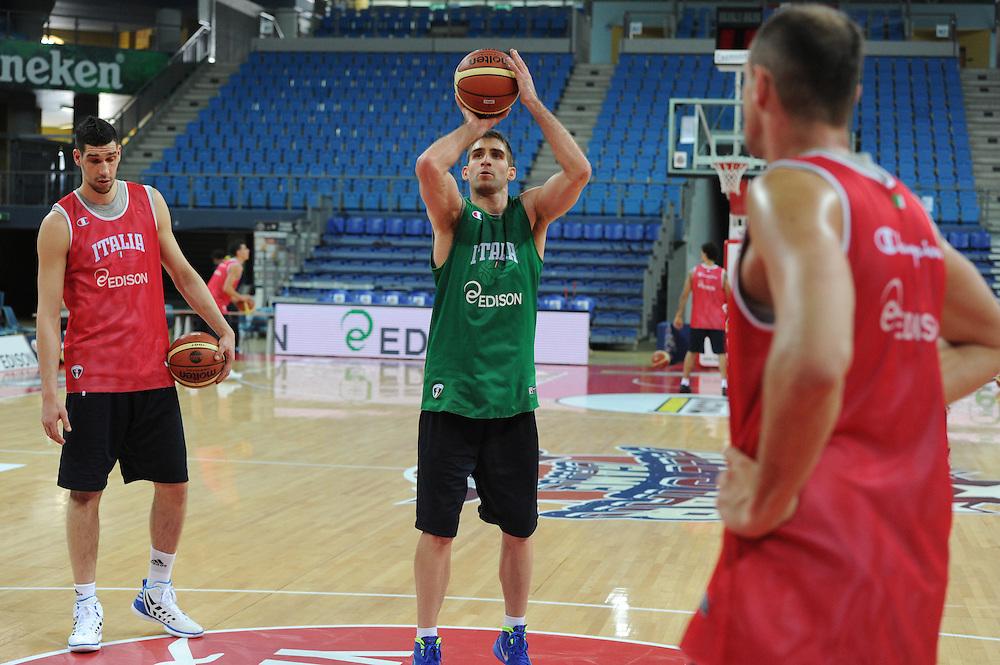 DESCRIZIONE : Pesaro allenamento All star game 2012 <br /> GIOCATORE : David Chiotti<br /> CATEGORIA : tiro<br /> SQUADRA : Italia<br /> EVENTO : All star game 2012<br /> GARA : allenamento Italia<br /> DATA : 09/03/2012<br /> SPORT : Pallacanestro <br /> AUTORE : Agenzia Ciamillo-Castoria/GiulioCiamillo<br /> Galleria : Campionato di basket 2011-2012<br /> Fotonotizia : Pesaro Campionato di Basket 2011-12 allenamento All star game 2012<br /> Predefinita :