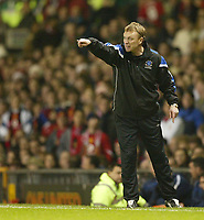Photo: Aidan Ellis.<br /> Manchester United v Everton. The Barclays Premiership.<br /> 11/12/2005.<br /> David Moyes gives out instructions to his team