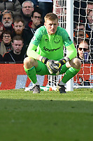 Football - 2018 / 2019 Premier League - Fulham vs. Everton<br /> <br /> Jordan Pickford Everton squats , at Craven Cottage.<br /> <br /> COLORSPORT/WINSTON BYNORTH