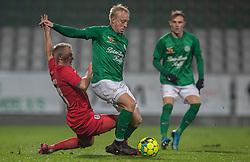 Mads Aaquist (Viborg FF) presses af Philip Rejnhold (FC Helsingør) under kampen i 1. Division mellem Viborg FF og FC Helsingør den 30. oktober 2020 på Energi Viborg Arena (Foto: Claus Birch).