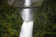 Multanomah Falls in Spring. Columbia River Gorge, Oregon.