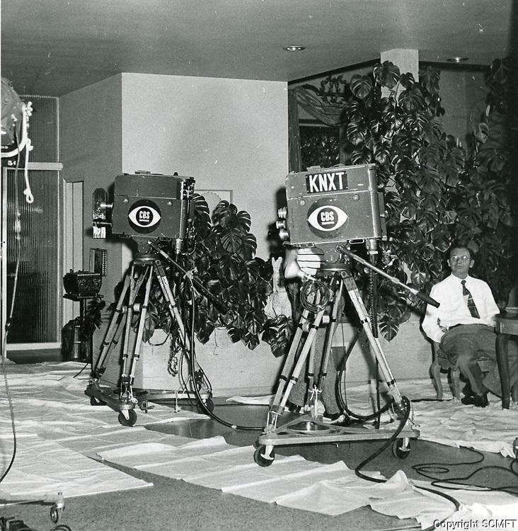 1954 CBS Television KNXT crew on location