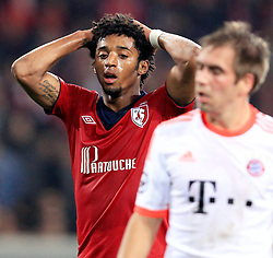 23.10.2012, Grand Stade Lille Metropole, Lille, OSC Lille vs FC Bayern Muenchen, im Bild enttaeuscht, frustriert, Entaeuschung, Frust bei Ryan MENDES (OSC Lille - 11) nach grosser Kopfballchance // during UEFA Championsleague Match between Lille OSC and FC Bayern Munich at the Grand Stade Lille Metropole, Lille, France on 2012/10/23. EXPA Pictures © 2012, PhotoCredit: EXPA/ Eibner/ Ben Majerus..***** ATTENTION - OUT OF GER *****