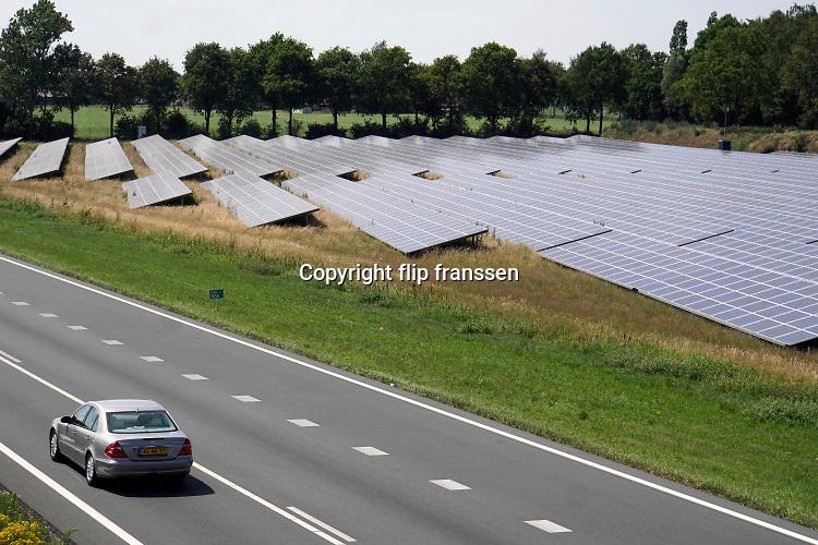Nederland, Uden, 24-6-2019 Een veld zonnepanelen . Het is een perceel waar voorheen landbouw of veeteelt werd bedreven . Boerenland . Foto: ANP/ Hollandse Hoogte/ Flip Franssen