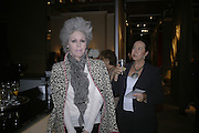 ANNE VAN RENSSELAER AND LYNN ROTHMAN, Private Preview of the Grosvenor House Art and Antiques Fair. 13 June 2007.  -DO NOT ARCHIVE-© Copyright Photograph by Dafydd Jones. 248 Clapham Rd. London SW9 0PZ. Tel 0207 820 0771. www.dafjones.com.