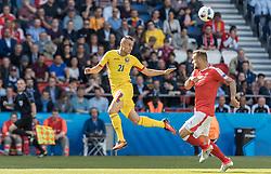 15.06.2016, Parc de Princes, Paris, FRA, UEFA Euro, Frankreich, Rumaenien vs Schweiz, Gruppe A, im Bild Dragos Grigore (ROU), Haris Seferovic (SUI) // Dragos Grigore (ROU) Haris Seferovic (SUI) during Group A match between Romania and Switzerland of the UEFA EURO 2016 France at the Parc de Princes in Paris, France on 2016/06/15. EXPA Pictures © 2016, PhotoCredit: EXPA/ JFK