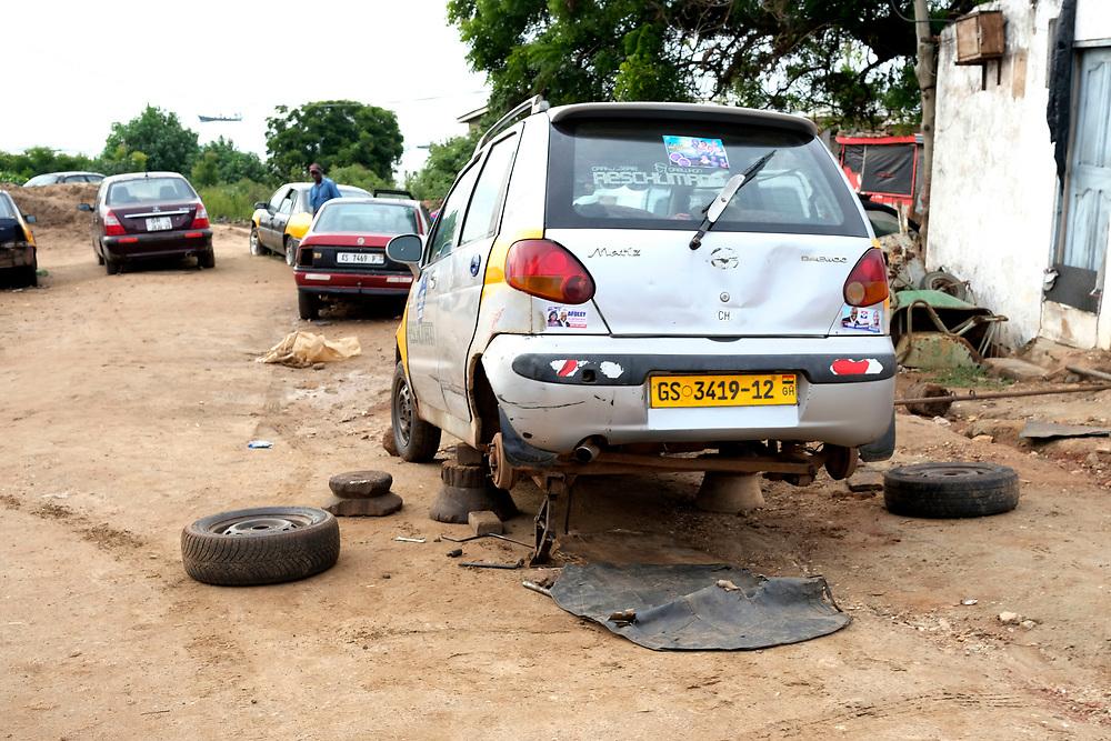 Car repair shop in Accra, Ghana on August 31, 2016