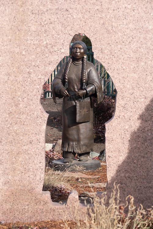 "Etweyé·wise (Nez Perce - ""I return from a hard journey"") statue by Doug Hyde in Joseph, Oregon."