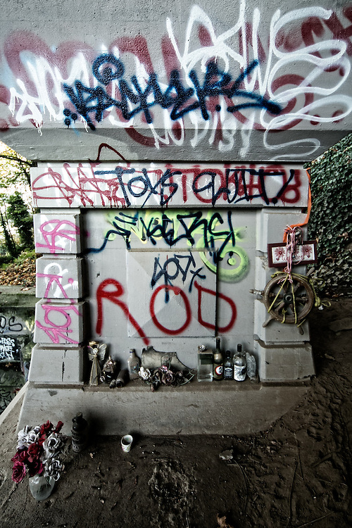Under the St Johns Bridge on the unfashionable end Nov 10, 2013.  Photo by Mick Orlosky/Redfishingboat