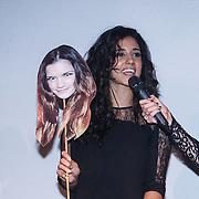NLD/Amsterdam/20131111 - Beau Monde Awards 2013, Toprak Yalciner neemt de prijs voor Marly van der Velden in ontvangst