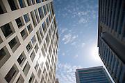 Edificios en Santiago de Chile / barrio El Golf, Las Condes.<br /> <br /> Edición de 3 | Víctor Santamaría.