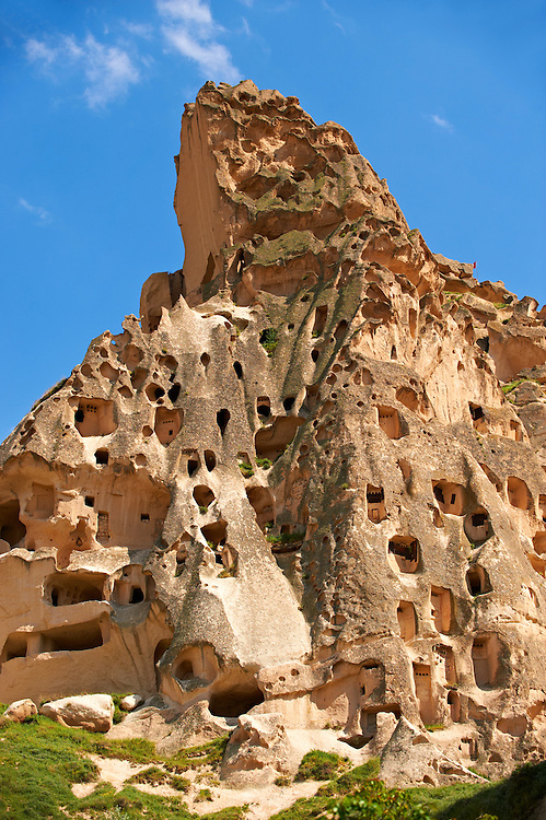 Troglodyte cave houses in tuff volcanic rock at Uchisar, Cappadocia, Anatolia, Turkey .<br /> <br /> If you prefer to buy from our ALAMY PHOTO LIBRARY  Collection visit : https://www.alamy.com/portfolio/paul-williams-funkystock/cappadociaturkey.html (TIP refine search - type which part of Cappadocia into the LOWER search box)<br /> <br /> Visit our TURKEY PHOTO COLLECTIONS for more photos to download or buy as wall art prints https://funkystock.photoshelter.com/gallery-collection/3f-Pictures-of-Turkey-Turkey-Photos-Images-Fotos/C0000U.hJWkZxAbg
