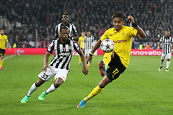 24.02.2015, Juventus Stadium, Turin, ITA, UEFA CL, Juventus Turin vs Borussia Dortmund, Achtelfinale, Hinspiel, im Bild l-r: im Zweikampf, Aktion, mit Patrice Evra #33 (Juventus Turin) und Pierre-Emerick Aubameyang #17 (Borussia Dortmund) // during the UEFA Champions League Round of 16, 1st Leg match between between Juventus Turin and Borussia Dortmund on at the Juventus Stadium in Turin, Italy on 2015/02/24. EXPA Pictures © 2015, PhotoCredit: EXPA/ Eibner-Pressefoto/ Kolbert<br /> <br /> *****ATTENTION - OUT of GER*****