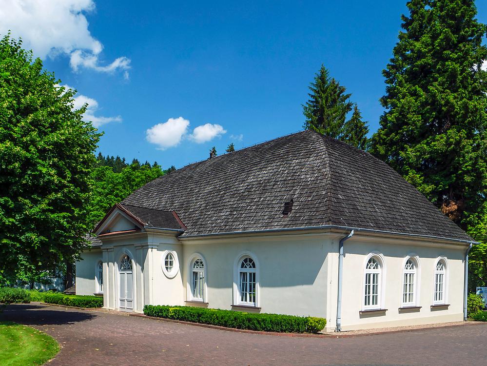 Teatr Zdrojowy im. Fryderyka Chopina (tzw. Dworek Chopina), Duszniki-Zdrój, Polska<br /> Fryderyk Chopin Spa Theater (so called Chopin Manor), Duszniki-Zdrój, Poland