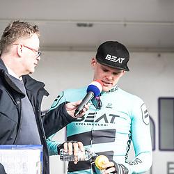 23-03-2019: Wielrennen: Drentse Dorpenomloop: Assen<br />-wielrennen - Assen - Drenthe - KNWU<br />Jannes Mulder in gesprek met Piotr Havik