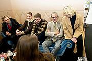 Prinses Laurentien en bekende nederlanders voeren op Valentijnsdag echte gesprekken op station Utrecht Centraal als onderdeel van de actie #echtcontact.<br /> <br /> Op de foto:  Marlijn Weerdenburg en Roger van Boxtel , President-Directeur van NS